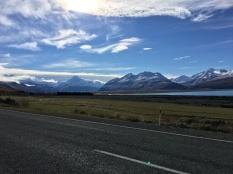 Вдоль озера Пукаки. Ледниковые воды национального парка